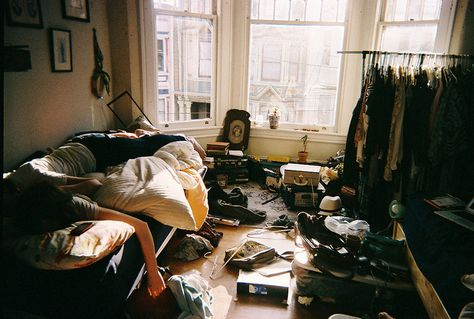 Messy Room~ how i feel in my room Teen Definition, Organizar Closet, Messy Bedroom, Teen Dictionary, Just Girly Things, Girl Things, My Room, Dorm Room, Clutter