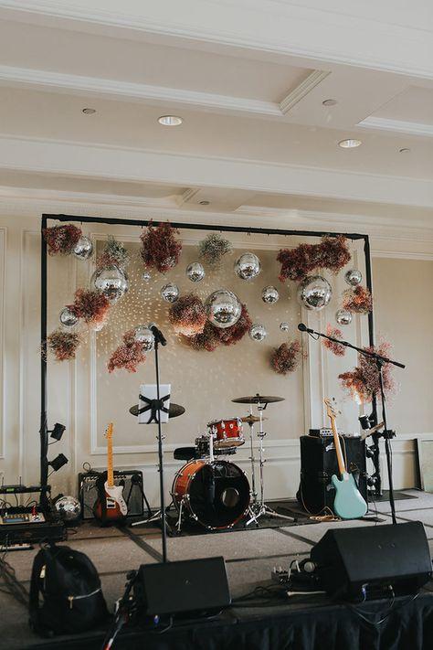 Funky Laguna Beach wedding with pink babies breath and a bridal cape Backdrop Decorations, Wedding Decorations, Retro Wedding Decor, Vintage Beach Weddings, Retro Weddings, Eclectic Wedding, Barn Weddings, Wedding Goals, Diy Wedding
