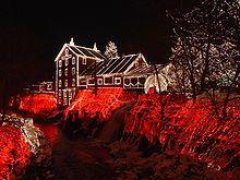 Maison illuminée dans l'Ohio (États-Unis).