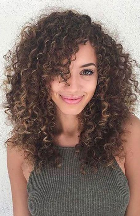 Long Curly Hair With Side Bangs Curlybangs Curly Hair Styles Hairstyles With Bangs Long Hair With Bangs
