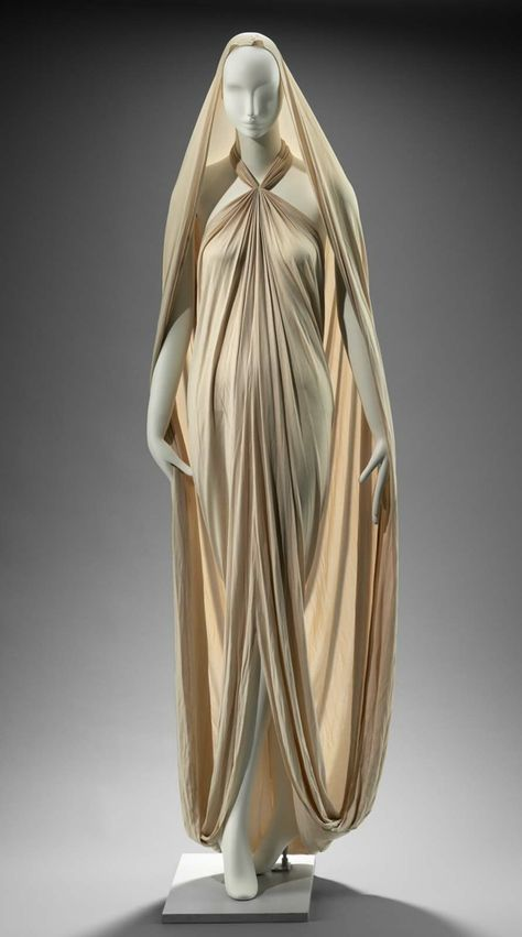 Ivory knit draped dress with halter neck and deep cowl drape in the back, slit in the front, extra long train which doubles up to form hood from the back, Gnyuki Torimaru, Vintage Dresses, Vintage Outfits, Vintage Fashion, Fantasy Dress, Draped Dress, Silk Dress, Character Outfits, Mode Inspiration, Fashion History
