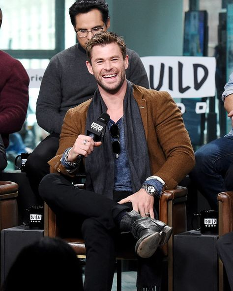 Actor Chris Hemsworth attends the Build Series to discuss '12 Strong' at Build Studio on January 16, 2018 in New York City.
