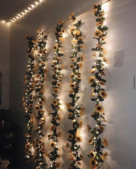 Flower Backdrop, Flower Wall Decor, Flower Garlands, Room Ideas Bedroom, Diy Room Decor, Bedroom Decor, Bedroom Wall, Master Bedroom, Garland Nursery