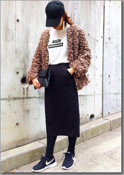 黒 スカート コーデ