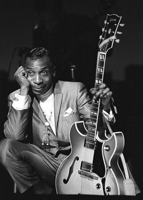 """Remembering T-Bone Walker Aaron Thibeaux """"T-Bone"""" Walker was a critically acclaimed American blues guitarist, singer, songwriter and multi-instrumentalist, who was an influential pioneer and innovator of the jump blues and electric blues. Soul Jazz, Rhythm And Blues, Jazz Blues, Blues Artists, Music Artists, Instrumental, Bob Marley, Best Christmas Songs, Delta Blues"""