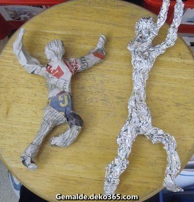 3d Kunststunde Mit Menschen Aus Aluminiumpapier Fantastischer