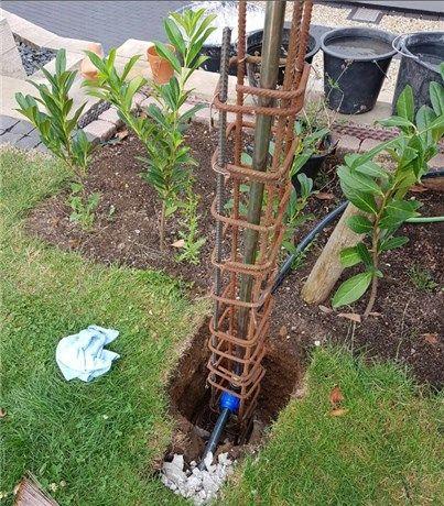 Eine Wasserzapfstelle Wassersaule Selber Bauen Heimwerkerkniffe De Wasserzapfsaule Garten Wasserhahn Garten Wasserzapfstelle