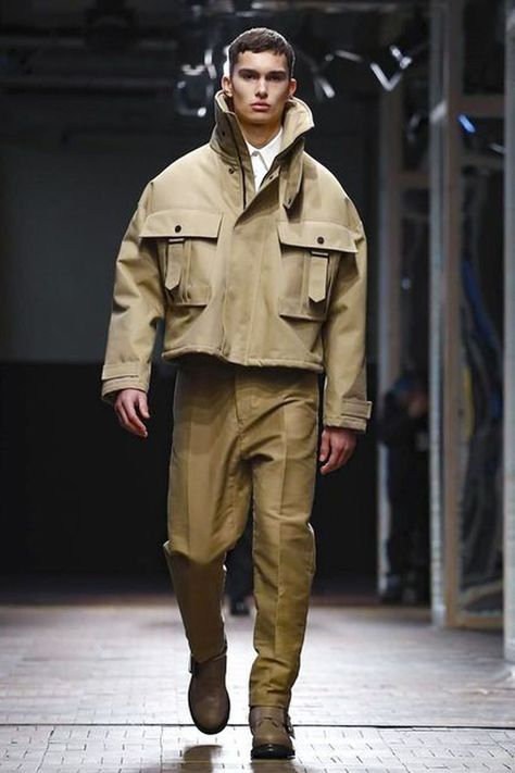 40 Elegant Winter Outfits Ideas For Men