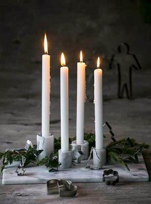 Christmas arrangement with marble candle holder | Advent wreath . Adventskranz .  couronne de l'avent | @ Ólöf Jakobína |