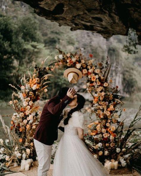 Wedding Photographers - Hipster Wedding   Wedding Chicks