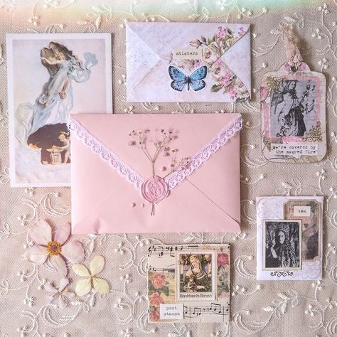 Convallaria maialis — I made some envelopes with vintage handkerchiefs 💌 Aesthetic Letters, Journal Aesthetic, Pen Pal Letters, Love Letters, Princess Aesthetic, Pink Aesthetic, Mail Art Envelopes, Addressing Envelopes, Snail Mail Pen Pals