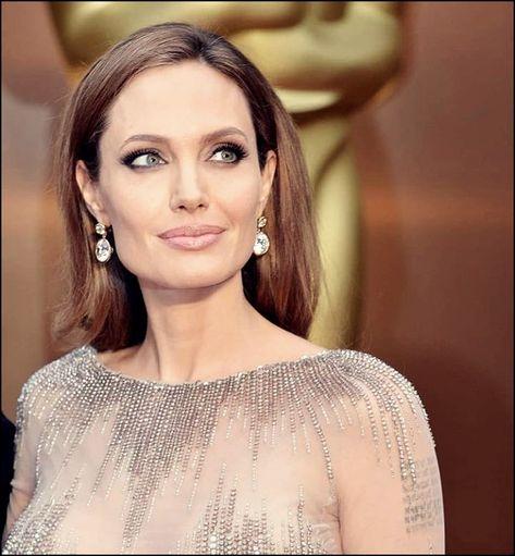25 Interessant Und Schon Frisuren Von Angelina Jolie Frisuren Schone Frisuren Und Bob Frisur
