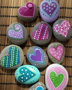 Heart painted rocks , rock painting ideas , what to paint on