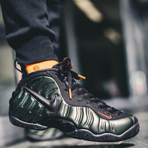 f5063fbb41e Nike Air Foamposite Pro Sequoia   Black