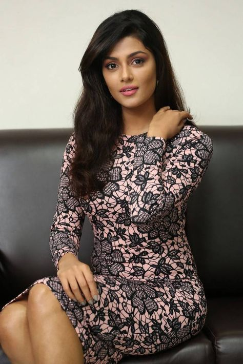 Anisha Ambrose Stills At Fashion Designer Son Of Ladies Tailor Movie Press Meet With Images Fashion Designer S Most Beautiful Indian Actress Short Dresses