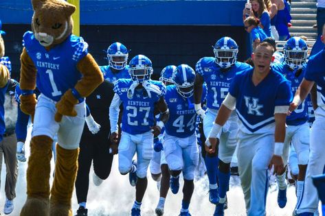 900 Uk Football 2020 Ideas In 2021 Uk Football Football Kentucky Football