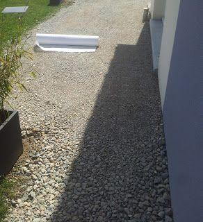 Terrasse Design Et Contemporaine Dalles Noires Anthracite Carrelage Gres Cerame 20mm Terrasse Design Amenagement Jardin Cailloux Amenagement Jardin