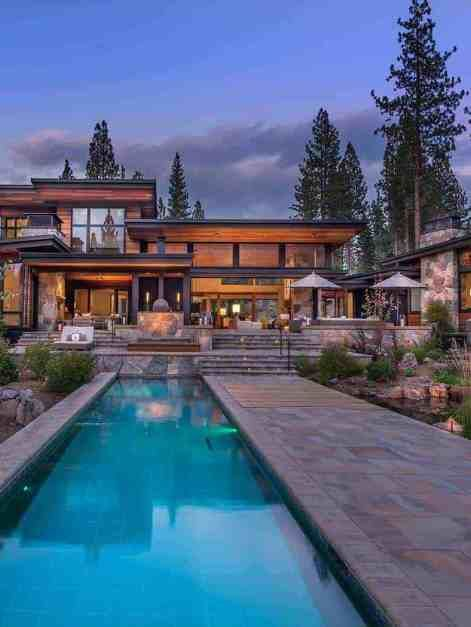 Warm Modernism Takes Center Stage In Martis Camp Retreat Houses For Aspen Indoor Outdoor Living Inspired Homes Modern Mountain Home