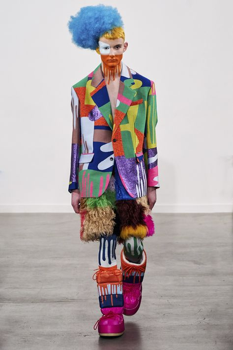 Walter Van Beirendonck Fall 2019 Menswear Fashion Show Collection: See the complete Walter Van Beirendonck Fall 2019 Menswear collection. Look 1