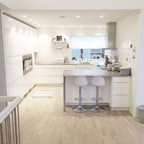 아일랜드식탁이 있는 주방인테리어 새로 짓고있는 우리집의 싱크대 디자인은 정했다 내일모레 실측하고 마 집 조명 부엌리모델링 부엌 디자인