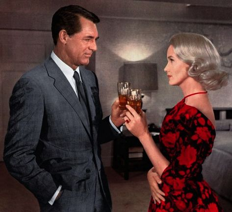 Cary Grant & Eva Marie Saint - NORTH BY NORTHWEST 1959 fun link to page on movie fashion.