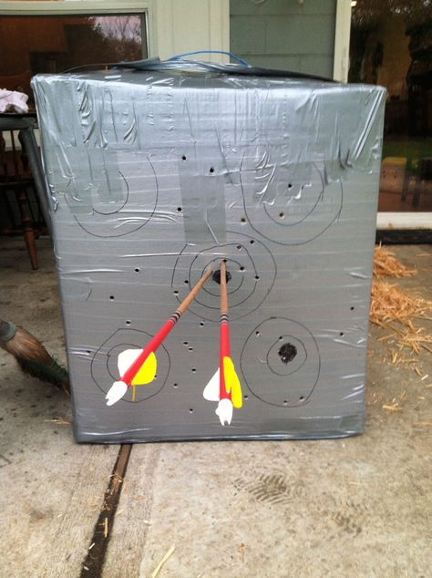 Archery Training, Archery Gear, Archery Hunting, Bow Hunting, Crossbow Targets, Diy Crossbow, Outdoor Projects, Outdoor Ideas, Bow And Arrow Target