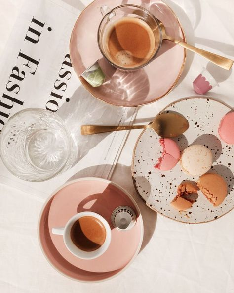 Coffee and Macrons - Pink delight.