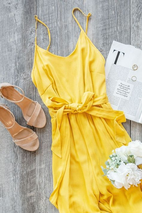 Your new #fave #yellowjumpsuit for #spring! This #yellowjumpsuit is perfect #styled with some #neutralheels! #letsbepriceless #WFHoutfits #ootd #stylingtips #springfashion #springoutfit #womensfashion #womensoutfits #outfitideas #stylinginspo #casualoutfit #springtrends #comfyoutfit #stayathome #summerdatenight #fashioninspo #trendyoutfits #sundress