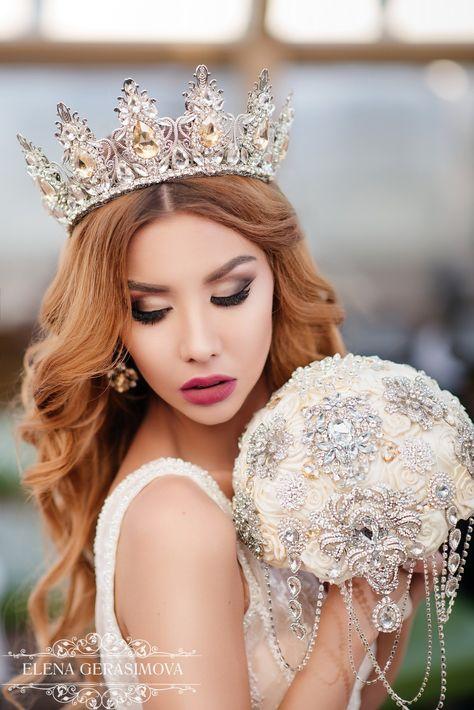 Weddinq Crown, silver Crystal Crown, rhinestones Tiara, Bridal Headpiece Headband, for weddings, Hair Accessory, Queen Modern crown