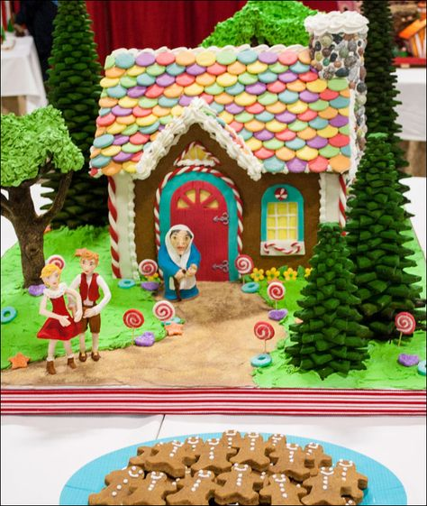 Hansel And Gretel Gingerbread House With Images Gingerbread