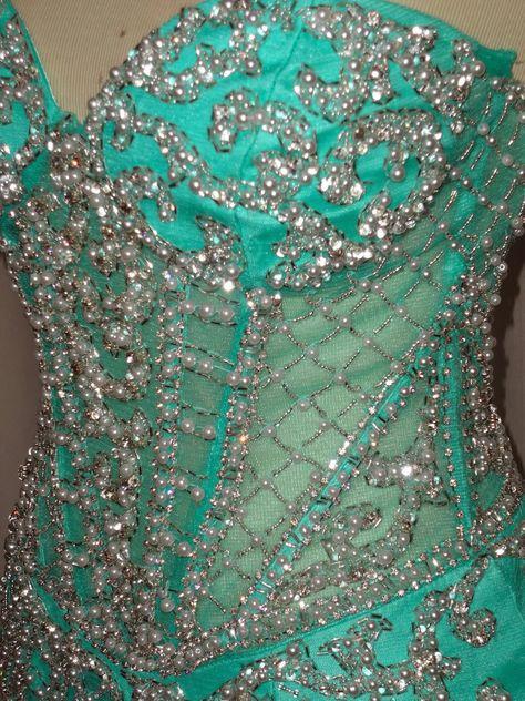 Vestido verde agua com tule