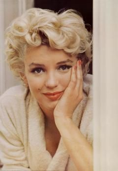 Marilyn Monroe - need a bio on this actress 4.25.13