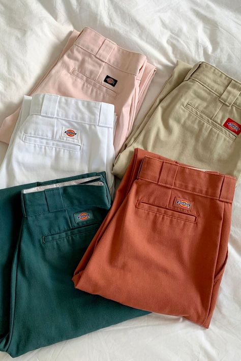 Dickies UO Exclusive High-Waisted Ankle Pant | Urban Outfitters Grunge Outfits, Indie Outfits, Cute Casual Outfits, Retro Outfits, Fashion Outfits, Womens Fashion, Grunge Style, Soft Grunge, Tokyo Street Fashion