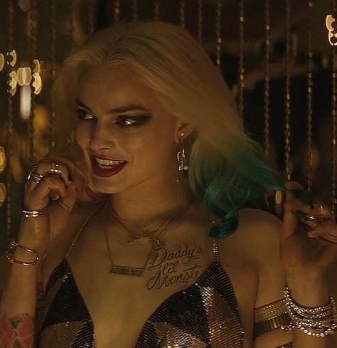 Discovered by 𝒦𝓇𝒾𝓈𝓉𝒾𝓃𝒶 ℛ𝑜𝓂𝒶𝓃𝑜𝓋𝒶. Find images and videos about harley quinn, dc comics and suicide squad on We Heart It - the app to get lost in what you love. Nightwing, Batgirl, Margot Elise Robbie, Margot Robbie Harley Quinn, Margo Robbie, Jason Todd Batman, Batman Wonder Woman, Batman Arkham Origins, Poison Ivy Batman