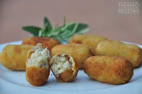 Estupenda receta de aprovechamiento y otra idea de cena para toda la familia: croquetas de patata y carne. Mismo nombre pero diferente a las tradicionales.