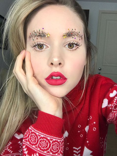 All The Rage: Christmas Tree Decoration Inspired Eyebrows   These are a bunch of photos taken by makeup and beauty enthusiasts who have transformed their eyebrows into tiny Christmas tree inspired displays.  ... http://drwong.live/weird/all-the-rage-christmas-tree-decoration-i-php/