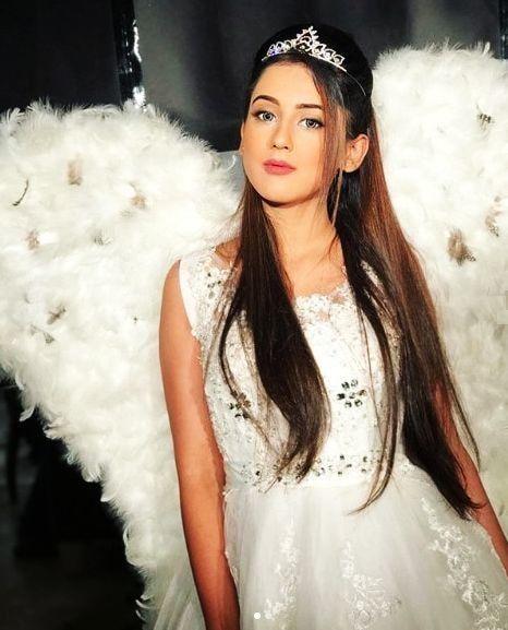 Riya sharma hd photo, in 2020   Profile picture for girls, Bridal  photoshoot, Flower girl dresses