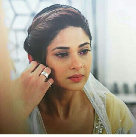590 Maya Hairstyle Ideas Jennifer Winget Hairstyle Jennifer Winget Beyhadh Jennifer winget, who is currently seen as maya in beyhadh, is experimental with her looks both on screen and off screen. 590 maya hairstyle ideas jennifer