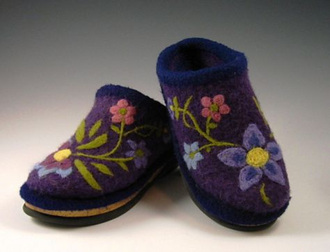 AWESOME WARM ALPINE BOOT SLIPPERS to KNIT /& FELT by BEV GALESKAS of FIBER TRENDS