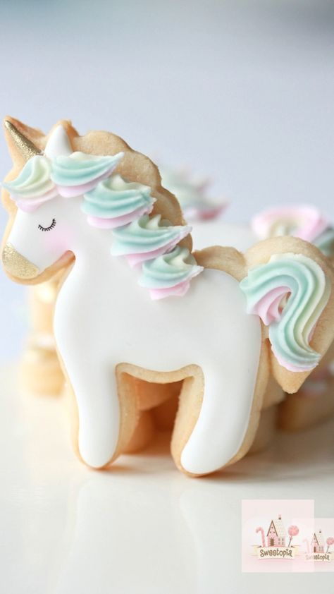 Decorating Unicorn Cookies with Royal Icing