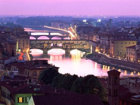 Ponte Vecchio & Arno River, Florence, Italy - I love Firenze! The art, the history, the food