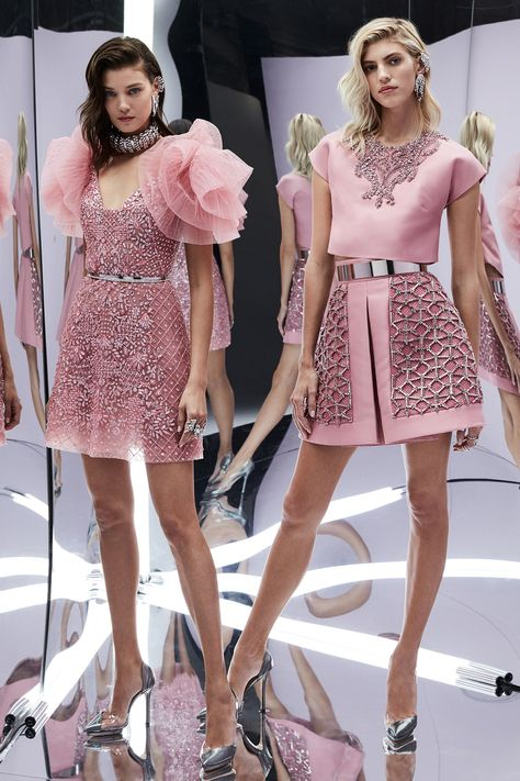 Light Pink Looks – Fashion Week SS Zuhair Murad – Spring 2017 Ready-to-Wear stunning pastel pink dress. Zuhair Murad – Spring 2017 Ready-to-Wear.