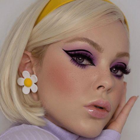 1960s Makeup, Retro Makeup, Goth Makeup, Makeup Inspo, Makeup Art, Makeup Inspiration, Beauty Makeup, Hippie Makeup, Pink Lips Makeup