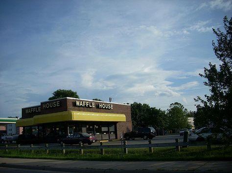 Waffle House On Jefferson Avenue Newport News Va Waffle House Newport News Iconic Buildings