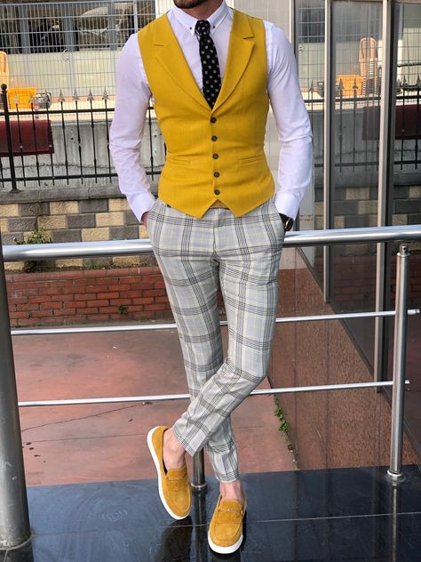 Multi Slim-Fit Suit Vest Yellow – Adrian Davis – Join in the world of pin Blazer Outfits Men, Stylish Mens Outfits, Mens Fashion Wear, Suit Fashion, Fashion Hair, Mode Costume, Designer Suits For Men, Slim Fit Suits, Mode Masculine