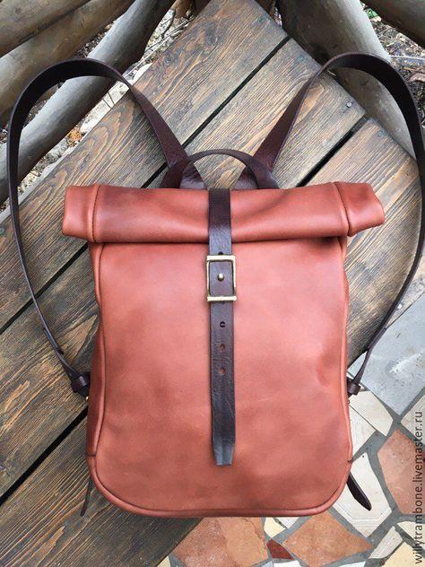 7b9f5d0198f7 Купить или заказать Рюкзак-скрутка коричневый в интернет-магазине на Ярмарке  Мастеров. Лаконичный