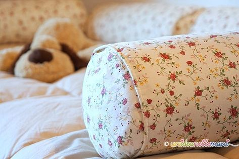 Recicle old pillows... Very clever idea!