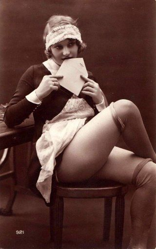 Vintage Saucy Maids: 32 Cool Pics of Naughty Flappers From the 1920s