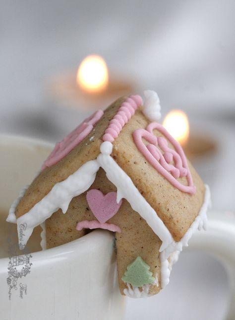Mini Gingerbread Houses | Cake Time