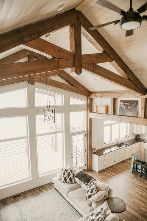A beautiful vaulted ceiling featuring timber frame trusses. Add in an open concept with the kitchen and this one is a house of dreams and inspiration. Rustic Home Design, Dream Home Design, House Design, Timber Frame Homes, Timber House, Timber Ceiling, Timber Beams, A Frame House, Küchen Design